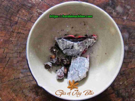 cách nướng hạt dổi bằng than củi